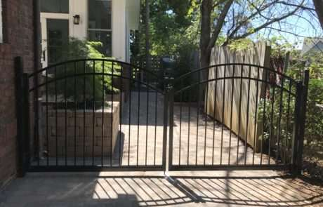 Side entry aluminum gate, Fence Scapes, WNC